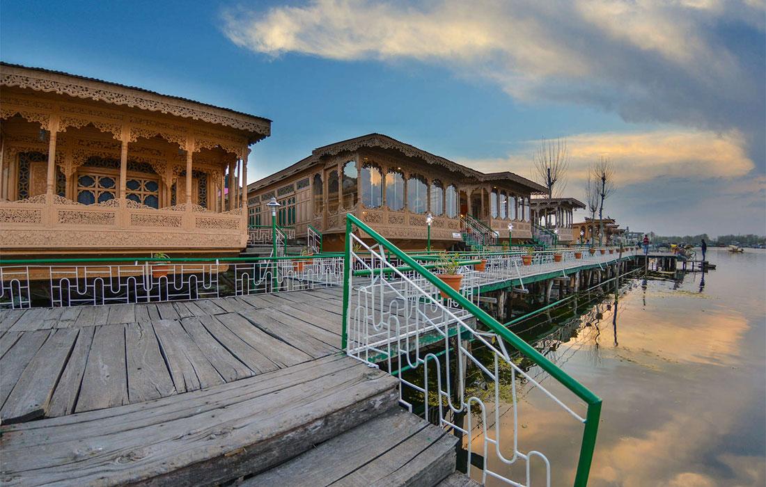 Houseboats Gallery